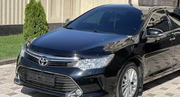 Toyota Camry 2015 года за 9 900 000 тг. в Шымкент – фото 3