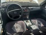 Mercedes-Benz E 280 1998 года за 2 880 000 тг. в Актау