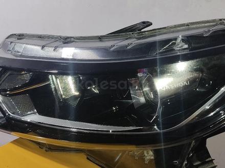 Фара передняя правая Nissan Qashqai за 50 000 тг. в Атырау