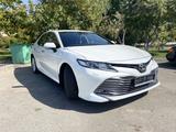 Toyota Camry 2018 года за 12 200 000 тг. в Шымкент