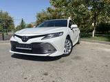 Toyota Camry 2018 года за 12 200 000 тг. в Шымкент – фото 5