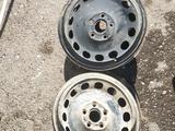 Железные диски на ауди за 10 000 тг. в Караганда