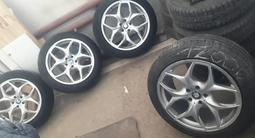 Диски с шинами, BMW Х5 за 130 000 тг. в Караганда