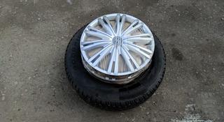 Комплект дисков с шинами 215/60/16 за 100 000 тг. в Алматы