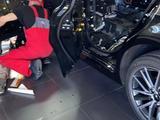 Toyota Camry 2021 года за 20 500 000 тг. в Караганда – фото 2