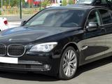 Стёкла ФАР BMW 7 Series за 29 300 тг. в Алматы – фото 2