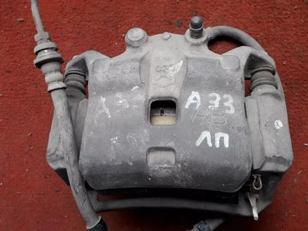 Суппорт тормозной передний левый на Nissan Cefiro (Maxima) a33, v2.0… за 8 000 тг. в Караганда