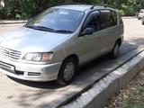 Toyota Ipsum 1997 года за 3 100 000 тг. в Алматы