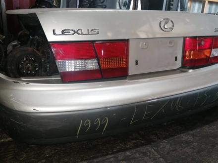 Lexus Es 300 Задний бампер оригинал за 2 878 тг. в Алматы – фото 3