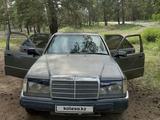 Mercedes-Benz E 220 1993 года за 1 350 000 тг. в Семей – фото 3