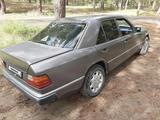 Mercedes-Benz E 220 1993 года за 1 350 000 тг. в Семей – фото 5