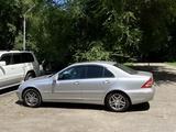 Mercedes-Benz C 220 2003 года за 3 800 000 тг. в Алматы
