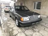 Mercedes-Benz E 260 1991 года за 2 100 000 тг. в Тараз – фото 2