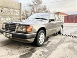 Mercedes-Benz E 260 1991 года за 2 100 000 тг. в Тараз – фото 3