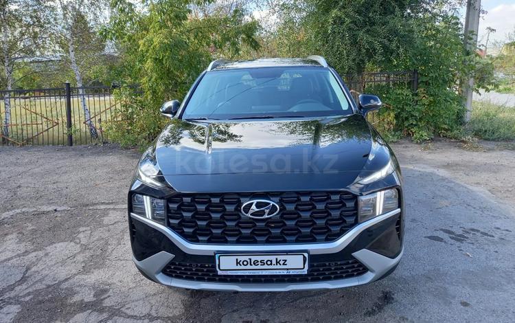 Hyundai Santa Fe 2021 года за 17 800 000 тг. в Караганда