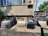 Дверь двери дверь передняя дверь задняя за 15 000 тг. в Алматы