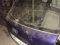 Крышка багажника Ауди а6с5 авант за 1 000 тг. в Караганда