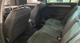Volkswagen Passat 2020 года за 13 411 000 тг. в Семей – фото 2