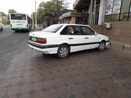 Volkswagen Passat 1993 года за 530 000 тг. в Шымкент – фото 2