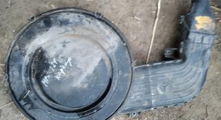 Корпус воздушного фильтра Мерседес Бенц 124 карбюратор за 5 000 тг. в Алматы