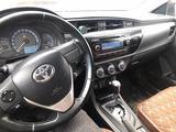 Toyota Corolla 2015 года за 6 600 000 тг. в Атырау – фото 2