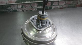 Усилитель тормозов на БМВ-7'F01 за 672 тг. в Алматы