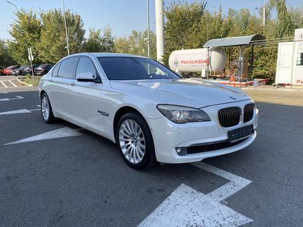 BMW 750 2010 года за 7 700 000 тг. в Алматы