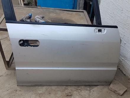 Дверь Хонда за 15 000 тг. в Алматы