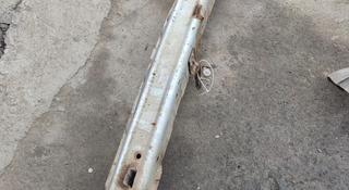 Усилитель жесткость переднего бампера гранд Витара ХЛ7 Трекер Grand Vitara за 15 000 тг. в Алматы