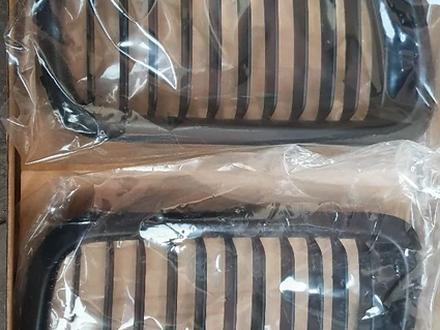 Решетка радиатора ноздри на бмв 3 серии е36 черные матовые за 16 000 тг. в Алматы