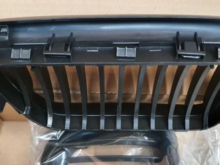 Решетка радиатора ноздри на бмв 3 серии е36 черные матовые за 16 000 тг. в Алматы – фото 4