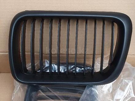 Решетка радиатора ноздри на бмв 3 серии е36 черные матовые за 16 000 тг. в Алматы – фото 5