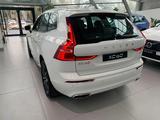 Volvo XC60 2021 года за 30 730 000 тг. в Алматы – фото 4