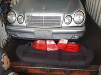Передние и задние фары на Mercedes Benz E 280, E… за 65 000 тг. в Алматы