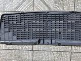 Решетка радиатора Мерс Мерседес Mers Mercedes за 15 000 тг. в Усть-Каменогорск – фото 2