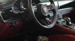 Porsche Panamera 4S 2021 года за 73 236 000 тг. в Алматы – фото 2