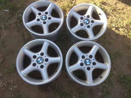 Оригинальные легкосплавные диски на автомашину BMW 3 (Германия R15 за 95 000 тг. в Нур-Султан (Астана)