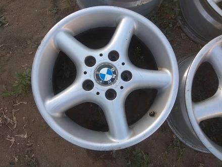 Оригинальные легкосплавные диски на автомашину BMW 3 (Германия R15 за 95 000 тг. в Нур-Султан (Астана) – фото 3