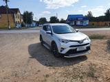 Toyota RAV 4 2019 года за 13 500 000 тг. в Уральск – фото 2