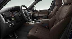 BMW X5 2021 года за 51 929 942 тг. в Караганда – фото 2