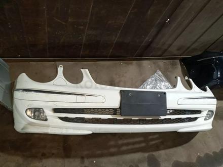 Передний бампер w211 за 120 000 тг. в Алматы