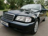Mercedes-Benz C 240 1997 года за 3 100 000 тг. в Алматы – фото 2