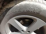 Шины Roadstone 275/60 r20 за 40 000 тг. в Алматы – фото 3