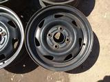 Оригинальные металлические диски на Ford Fiesta (R13 4*108 ЦО63.4 за 20 000 тг. в Нур-Султан (Астана) – фото 2