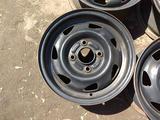 Оригинальные металлические диски на Ford Fiesta (R13 4*108 ЦО63.4 за 20 000 тг. в Нур-Султан (Астана) – фото 3