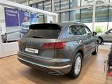 Volkswagen Touareg Exclusive Elegance 2021 года за 38 019 000 тг. в Шымкент – фото 2