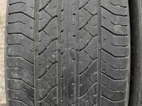 Комплект шин 235/55/19 Dunlop. за 18 000 тг. в Алматы