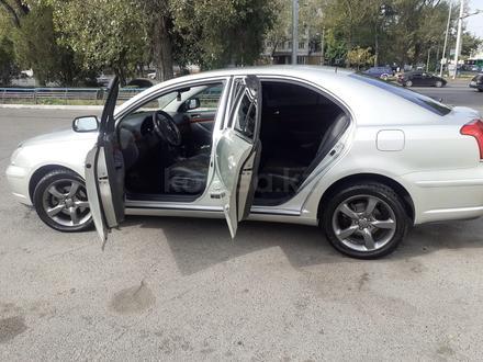 Toyota Avensis 2004 года за 4 200 000 тг. в Алматы – фото 12