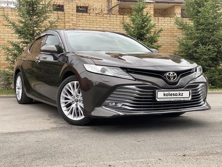 Toyota Camry 2018 года за 12 300 000 тг. в Караганда – фото 2