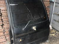 Дверь багажника правая на Toyota land cruiser 105 vx за 555 тг. в Караганда